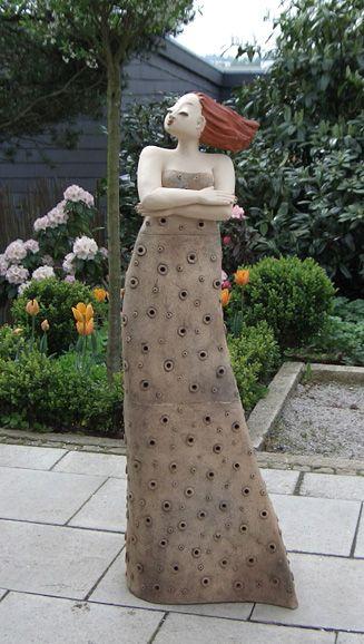 milva, garten kunst figur von margit hohenberger | töpfern,