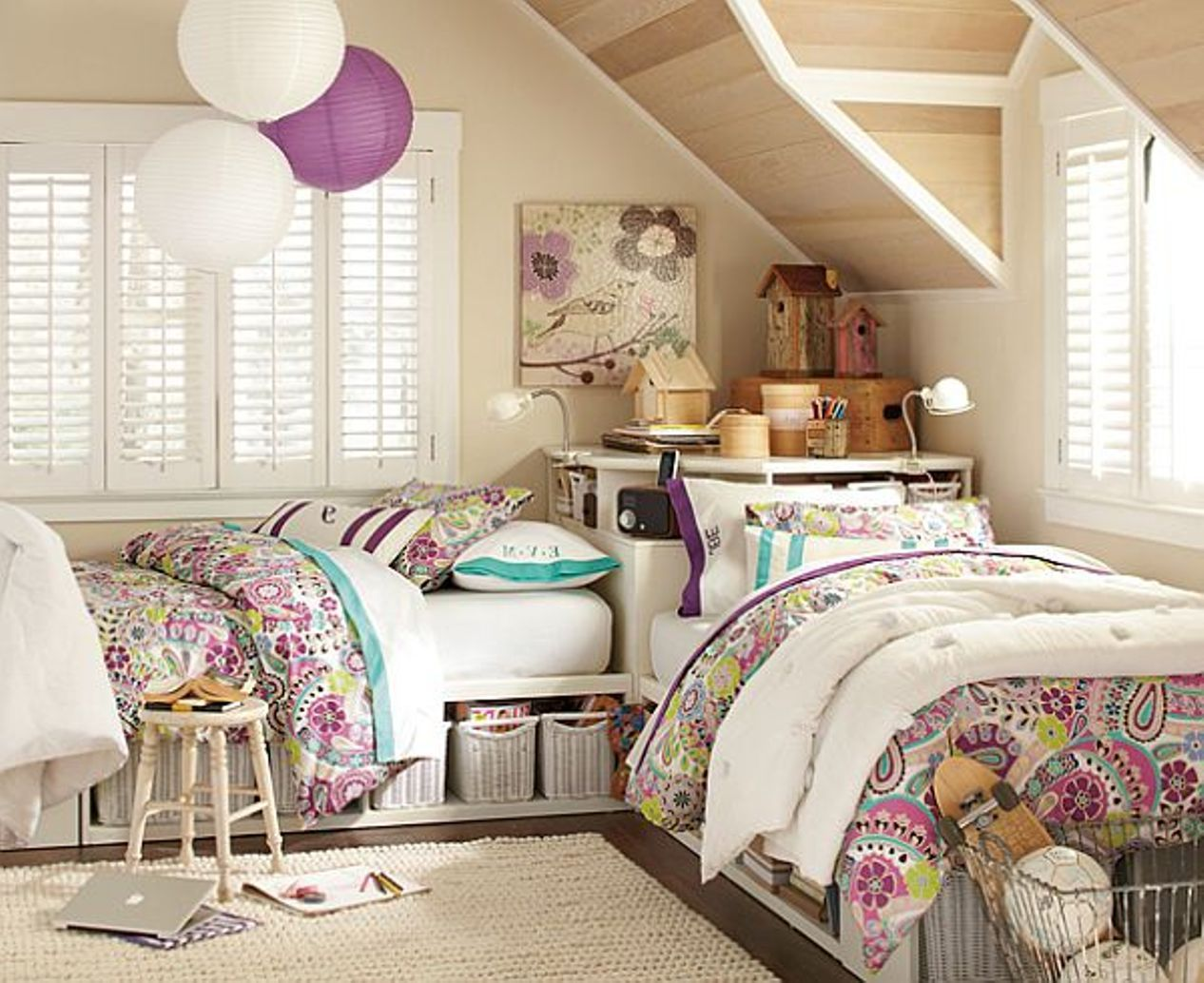 Bedroom   Perfect Bedroom For Twin Girls   Attic Bedroom For Twin Girls  With Bunk Beds. Bedroom   Perfect Bedroom For Twin Girls   Attic Bedroom For Twin