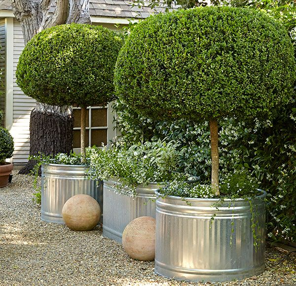 Houzz Spring Landscaping Trends Study: A Cozy, Small-space Garden