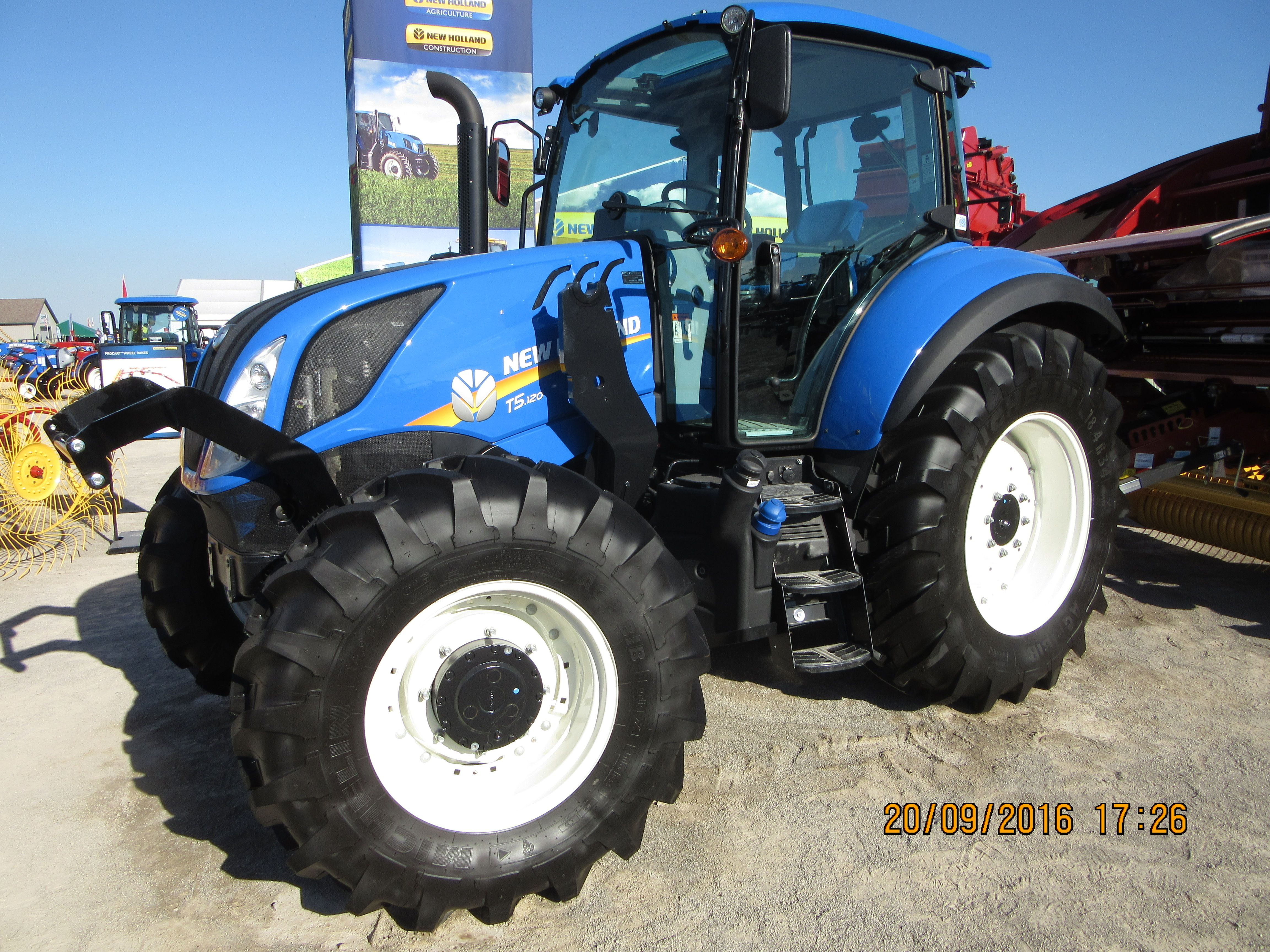 New Holland T5 120 New Holland Agriculture Ford Tractors New Holland