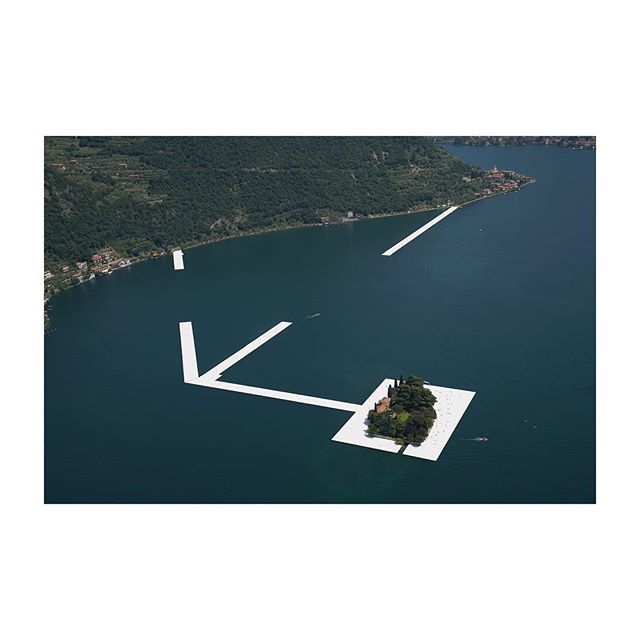 Birds eye view of #isolasanpaolo #thefloatingpiers #christojeanneclaude #elimasthelicopters