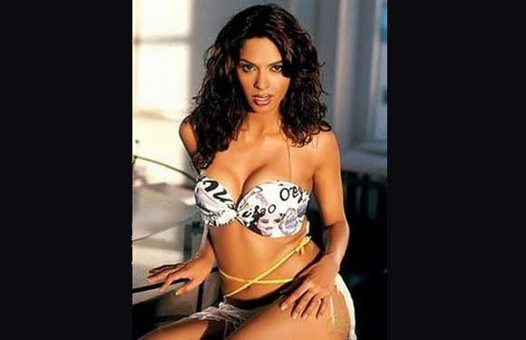 sexy-hot-mallika-sherawat-getting-slutty-sexyranimukarji