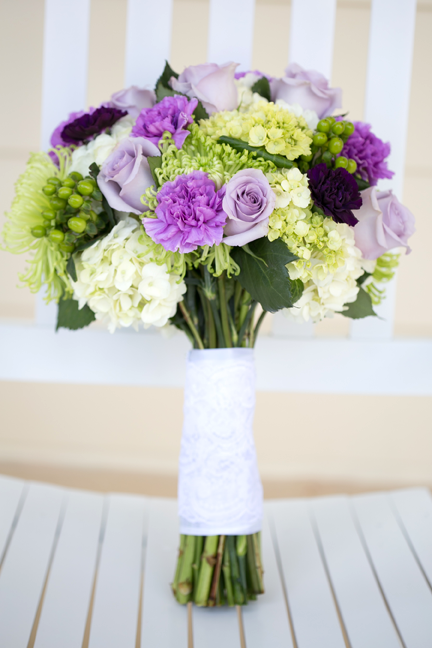 A beautiful shot of Alyssa's bouquet arranged by Oviedo Florist.