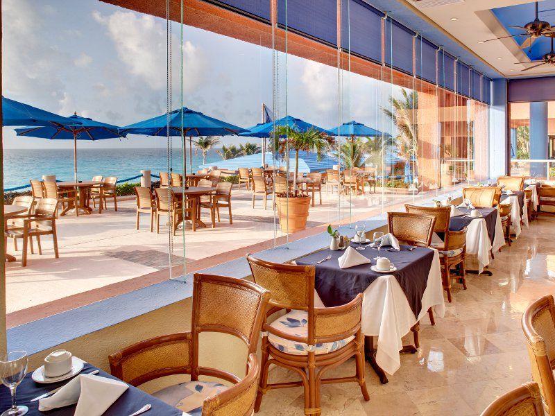 Barcelo Tucancun Beach Cancun All Inclusive Resort Discerning Diners Enjoy Great Meals View Flight Hotel Deals