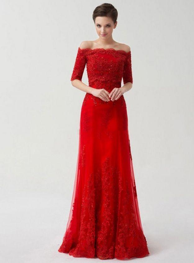 Abiti da sposa con accessori rossi