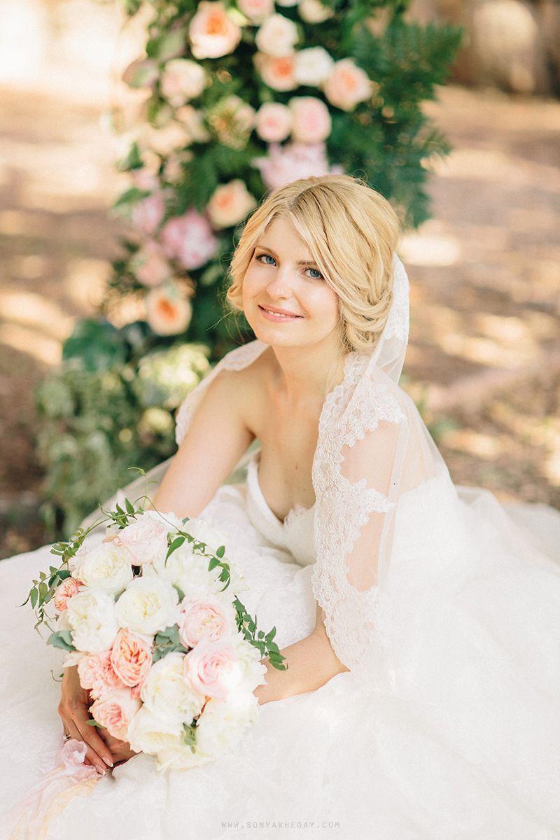 #wedding #bride http://sonyakhegay.com/intimate-summer-wedding/