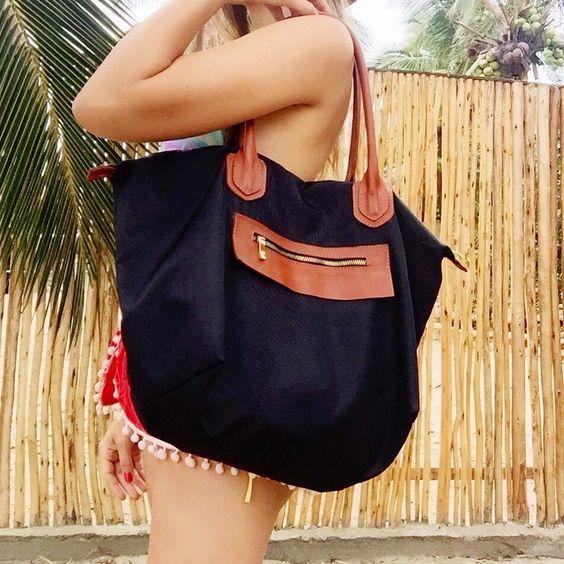9152a570f Cartera de cuero y nylon negra y marro NOA del catalogo de carteras de la  tienda online de PLUM - Brown and black leather and nylon bag– handbag NOA  from ...