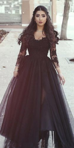 Gothic Wedding Dresses: Challenging Traditions
