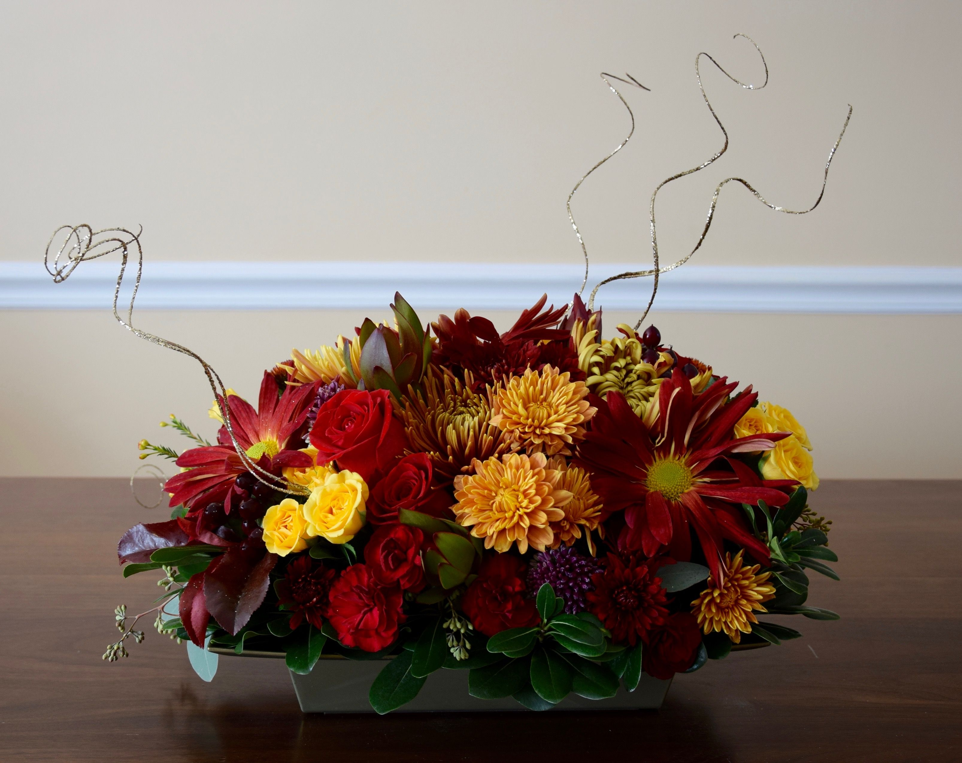 Thanksgiving table flower arrangement.