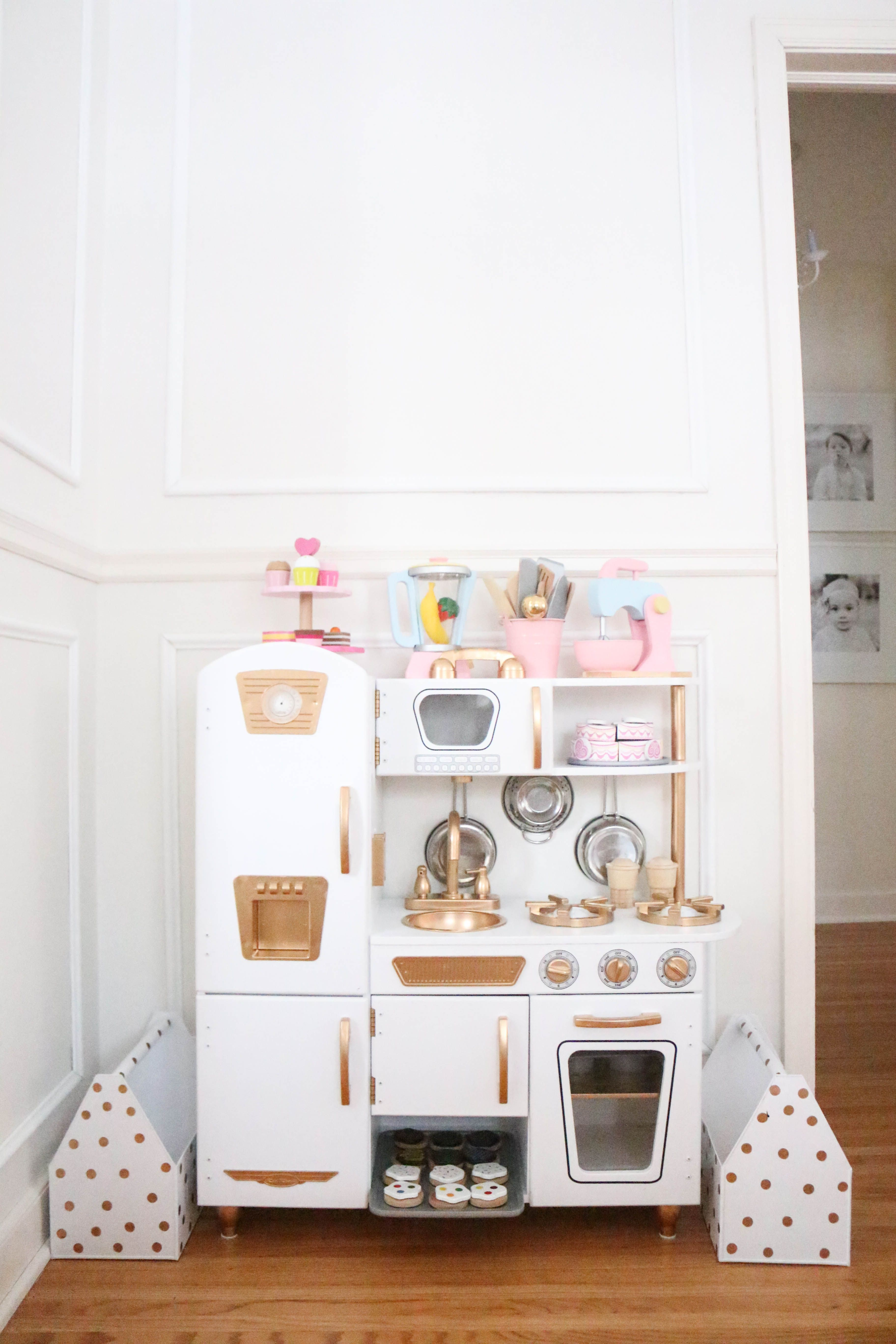 Just like so many, we fell for this KidKraft Vintage Kitchen HERE ...