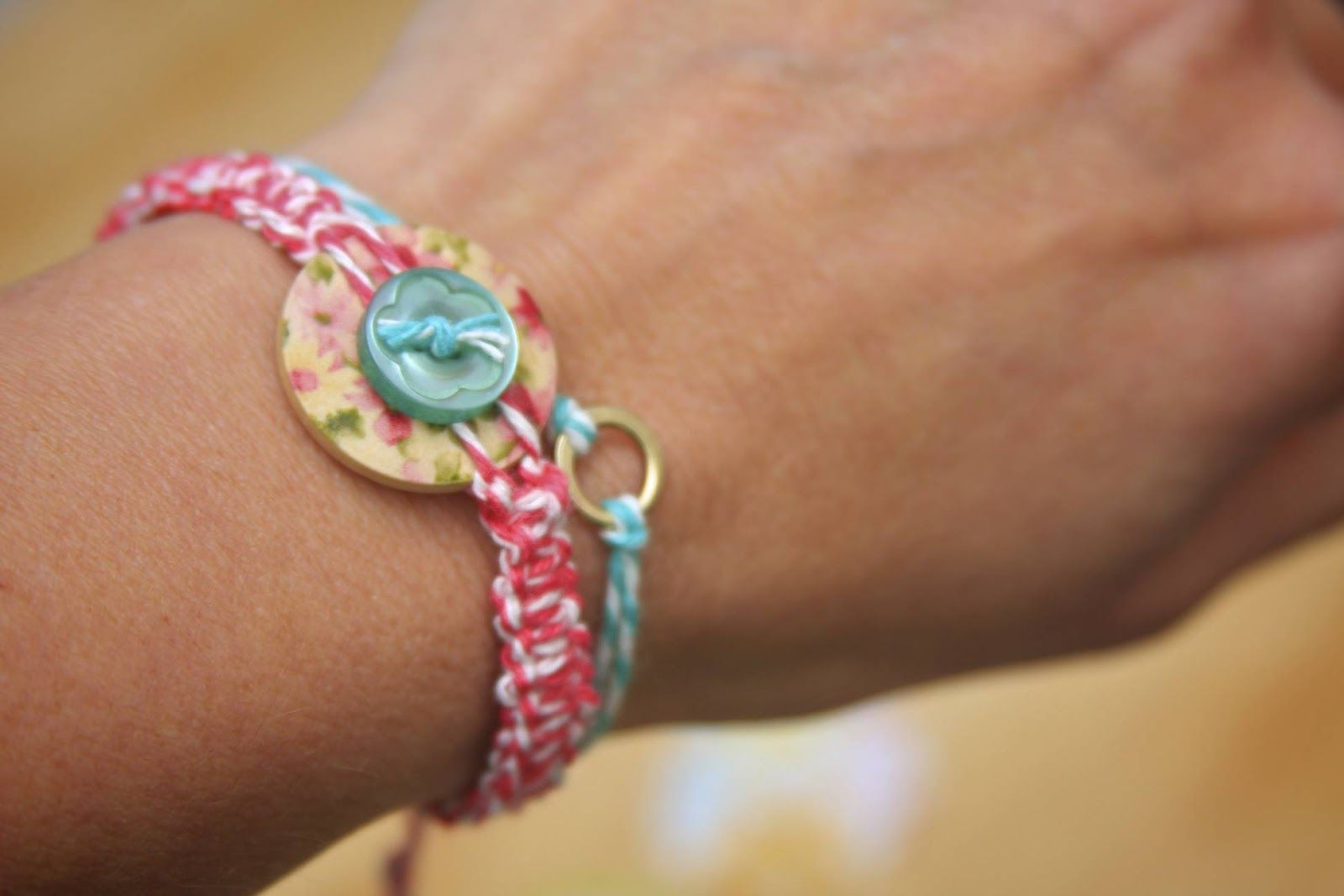 baker's twine and button bracelet