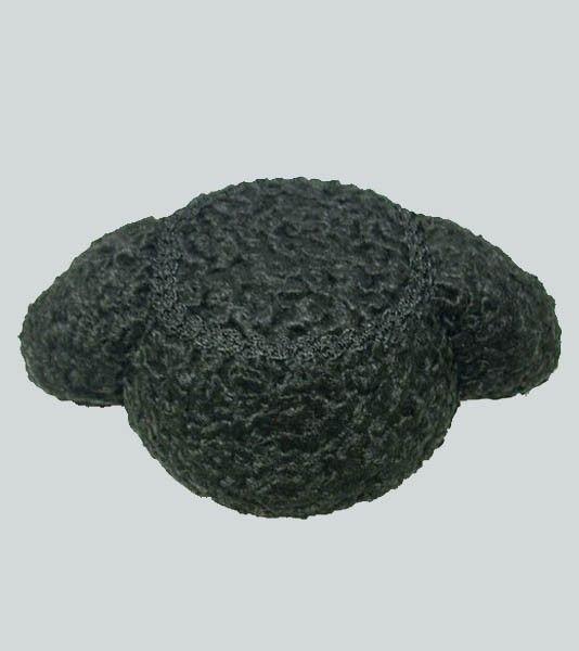 7f026ee6045d7 Montera de torero de astracán. La montera es el sombrero que usan los  toreros en el paseíllo
