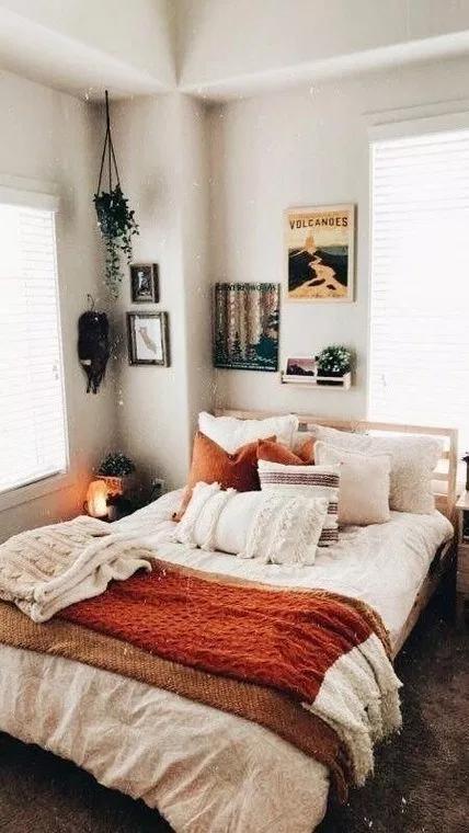 85 Diy Cozy Small Bedroom Decorating Ideas On Budget Cozy Small