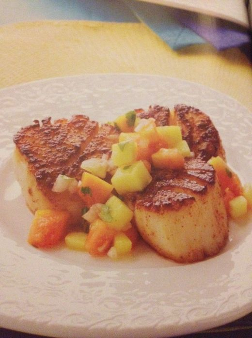 Chile-Crusted Scallops with Mango-Papaya Salsa from Cooking Light