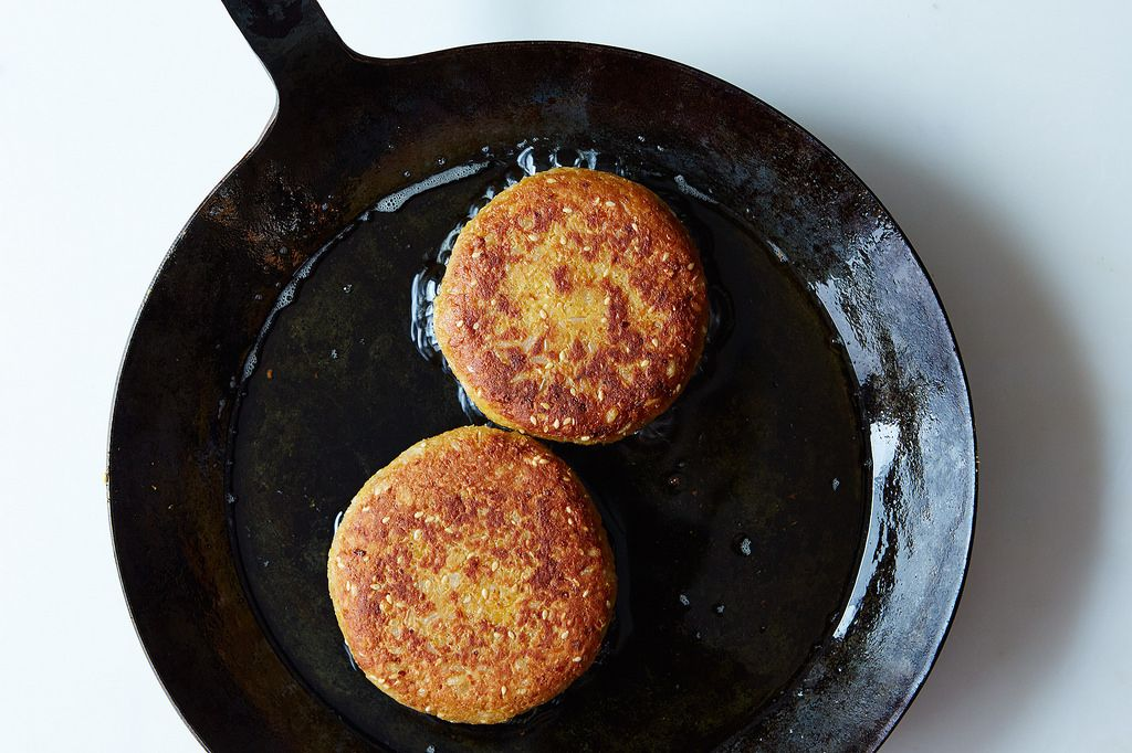 How to Make Any Veggie Burger Without a Recipe: https://food52.com/blog/11103-how-to-make-any-veggie-burger-without-a-recipe #Food52