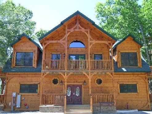 Gatlinburg Cabin   Waterfall Lodge   7 Bedroom   Sleeps 30   Jacuzzi   Bunk  Beds