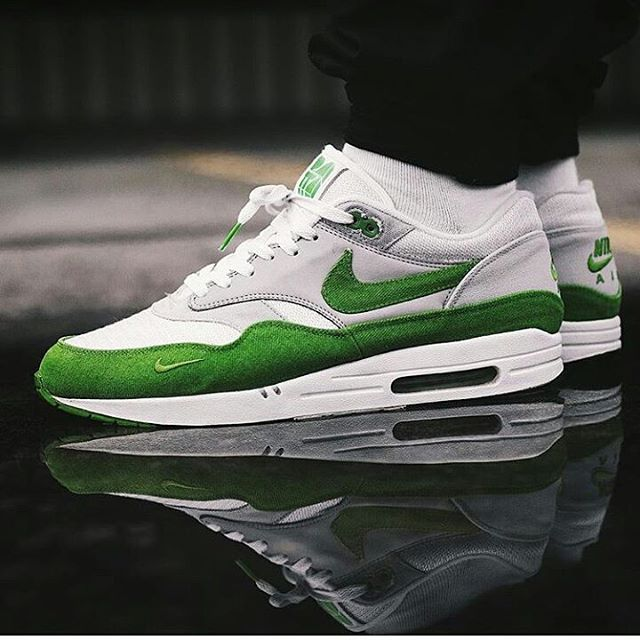 san francisco 56b23 906ab NIKE AIR MAX 1 Patta Chlorophyll 2009!!!☆Funfact  Last release with that   old Made in Thailand  shape!!! Kickass shot by  ttapreme!!! OGAIR .