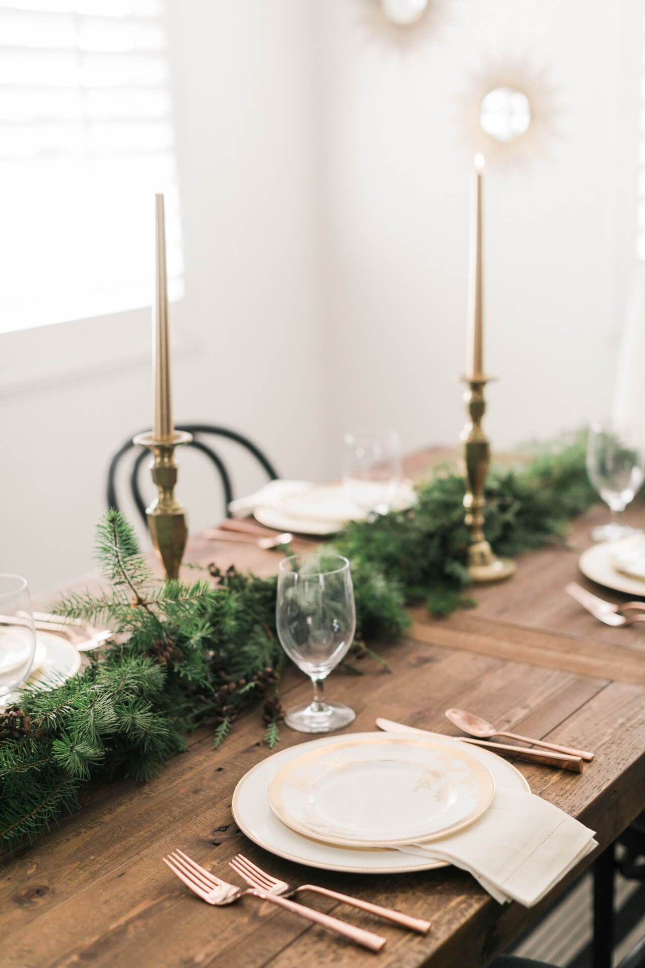 Pine Garland On The Dining Room Table Holiday Dining Table Decor