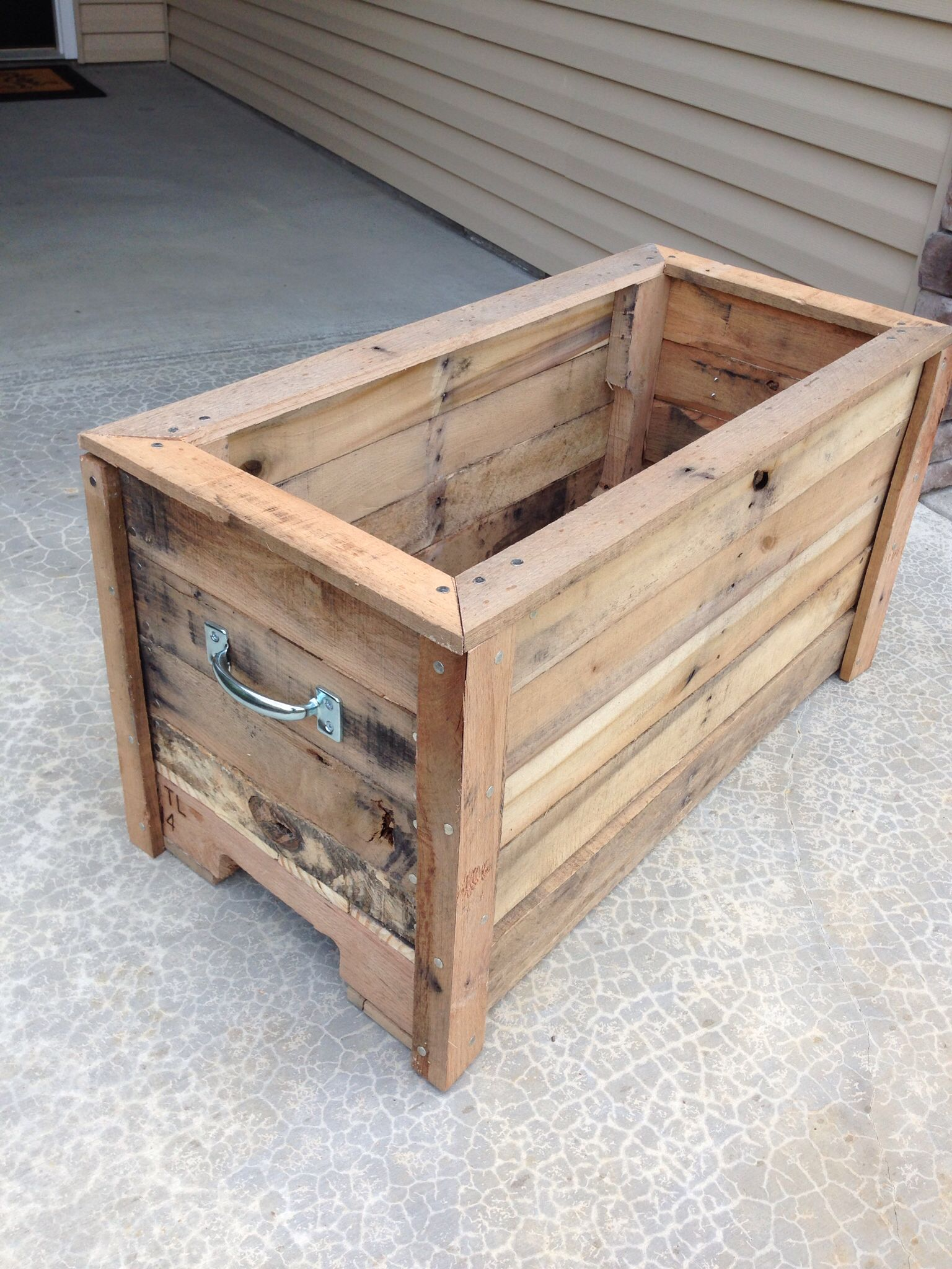 Planter Box Made Out Of 2x4 Scraps Pallet Projects Diy Garden Scrap Wood Projects Pallet Projects Diy Easy