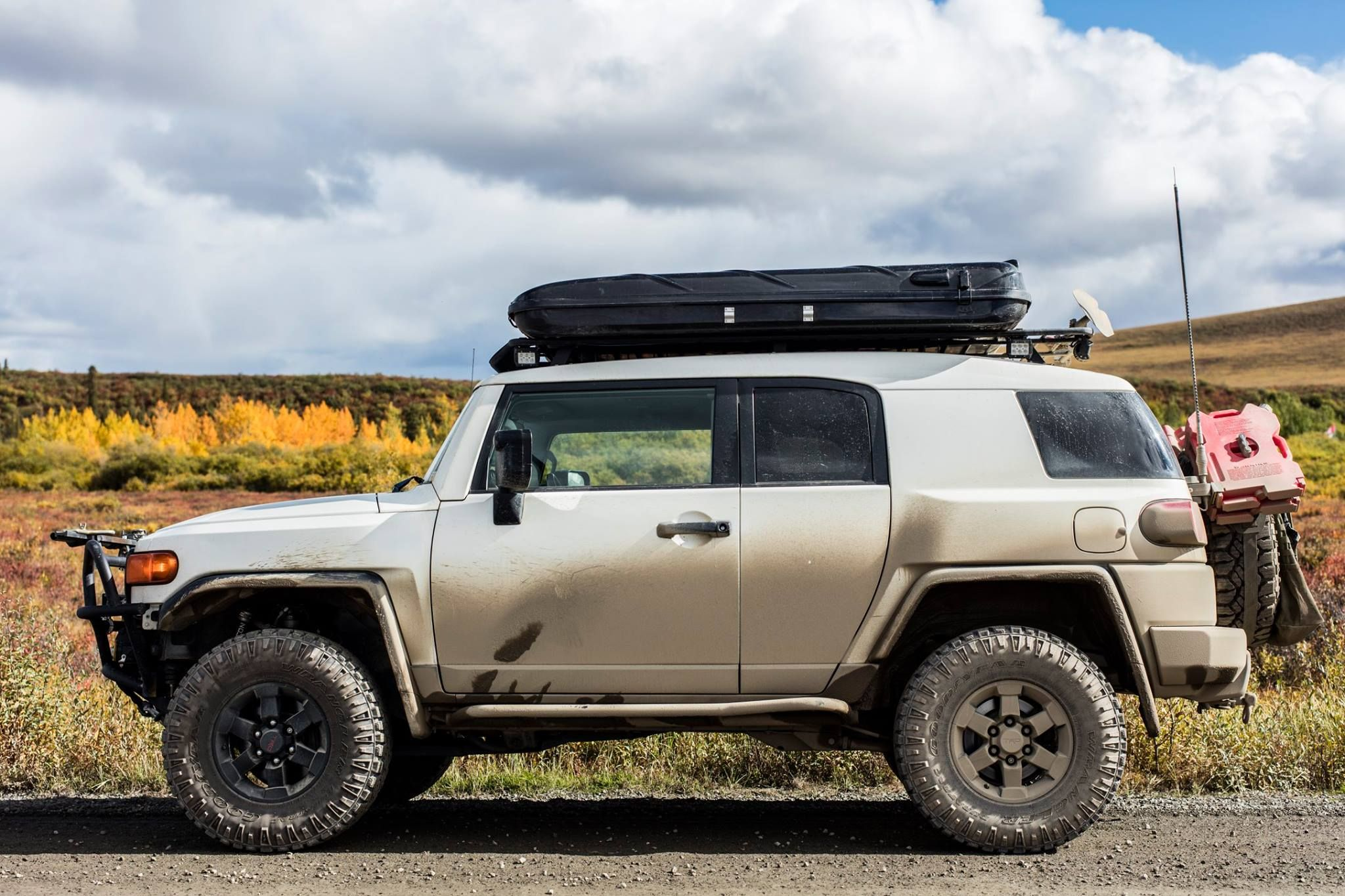 FJ cruiser setup - james baroud & FJ cruiser setup - james baroud | Rooftop Tent/Living Combo ...