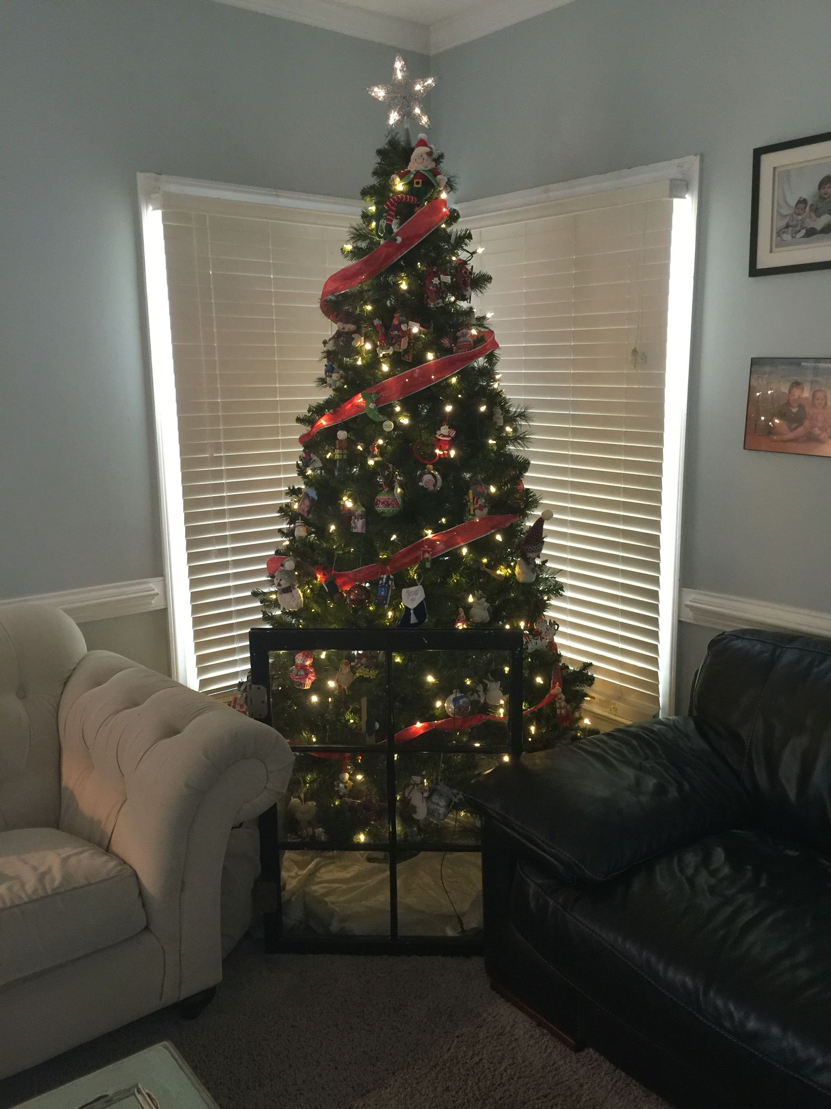 Toddler Proof Christmas Tree.How To Toddler Proof Your Christmas Tree Use An Old