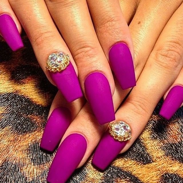 Magenta Cly And Elegant Nail Art With Diamond Nailart