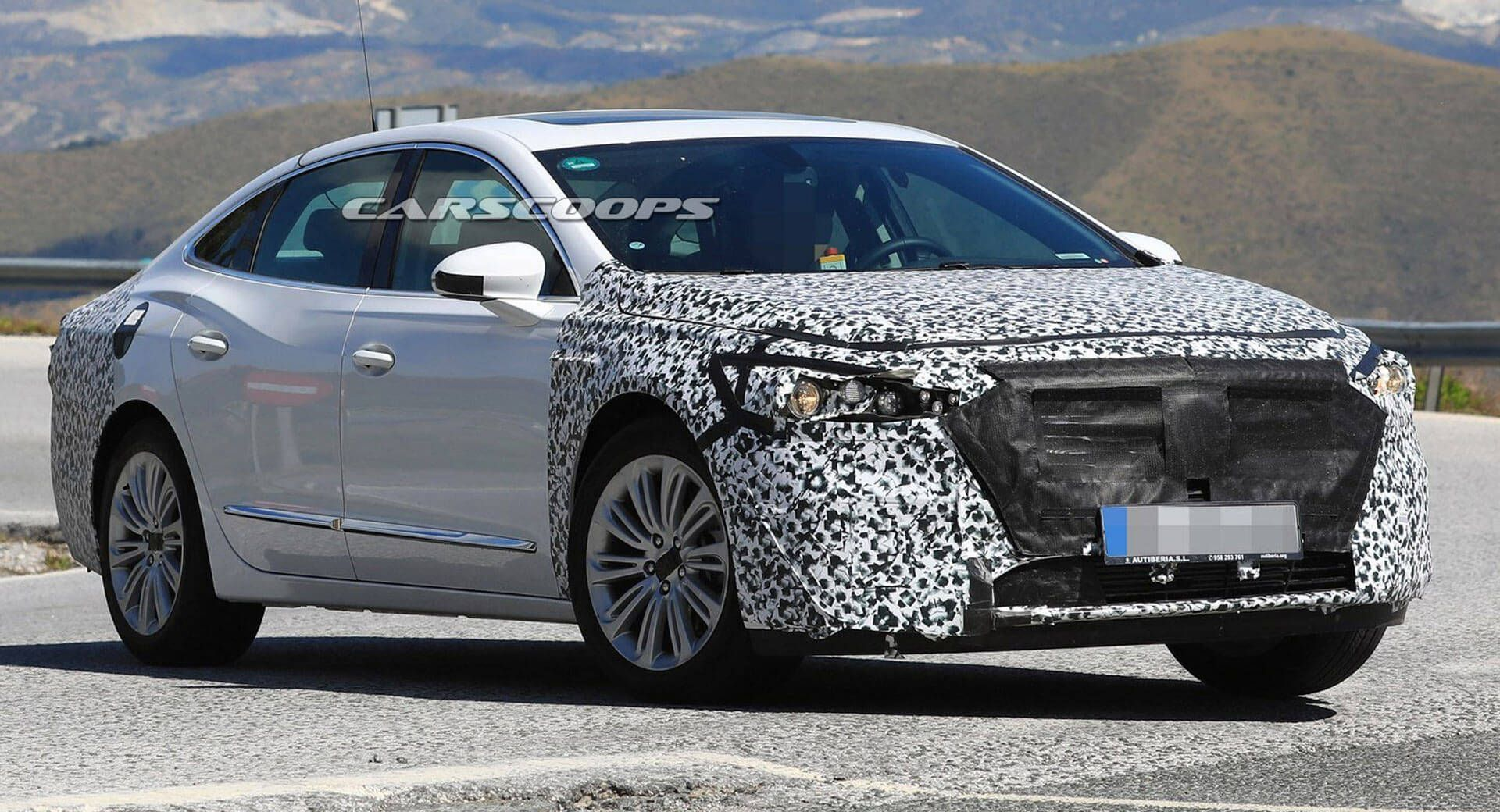 2020 Buick Lacrosse Shows A Handsome New Face But Not For The U S Buick Lacrosse Buick Latest Cars