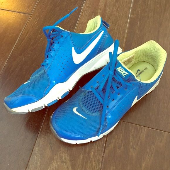 Like new: Nike better world sneakers