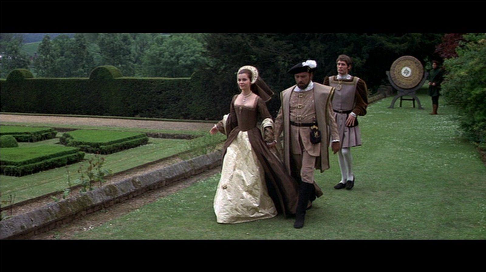 Anne of the Thousand Days (1969) Anne Boleyn - Love this gown.