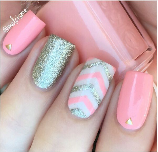 Light pink chevron and silver nail More - 33 Cute Pink Nail Designs You Must See Silver Nail, Lights And