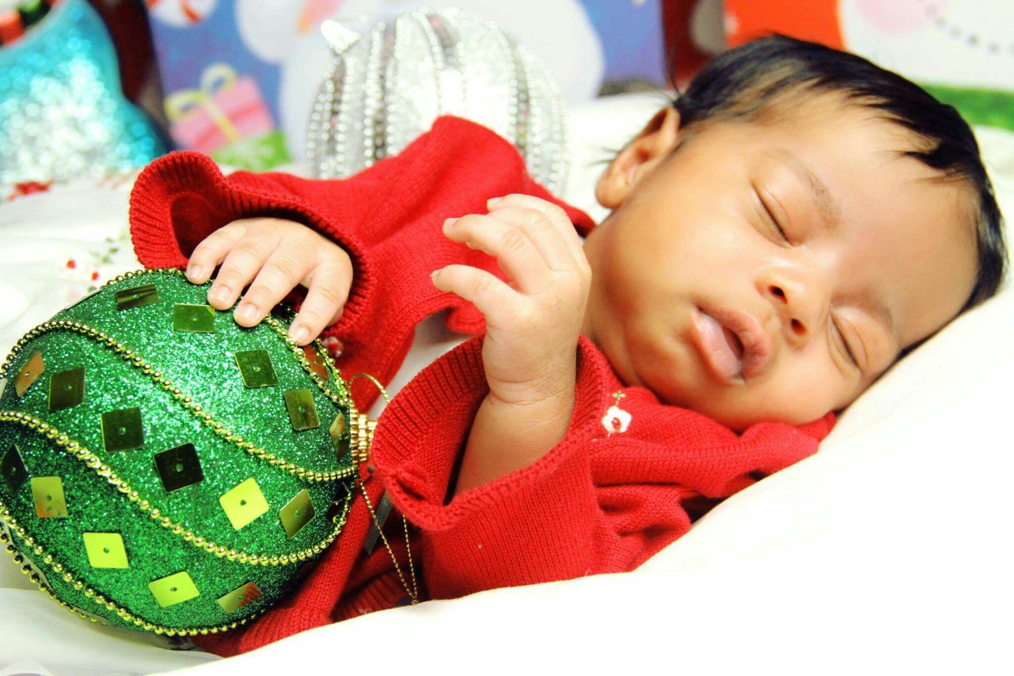 Baby holiday photography black babies african american baby girl christmas sleeping baby newborn photography