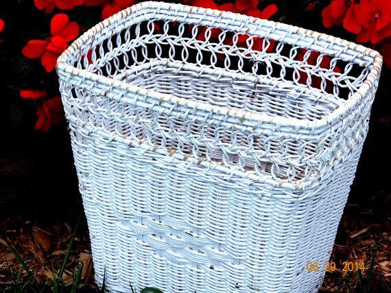 Vintage White Wicker Basket Shabby Chic/Cottage Chic/Farmhouse Decor by TimelessTreasuresbyM on Etsy