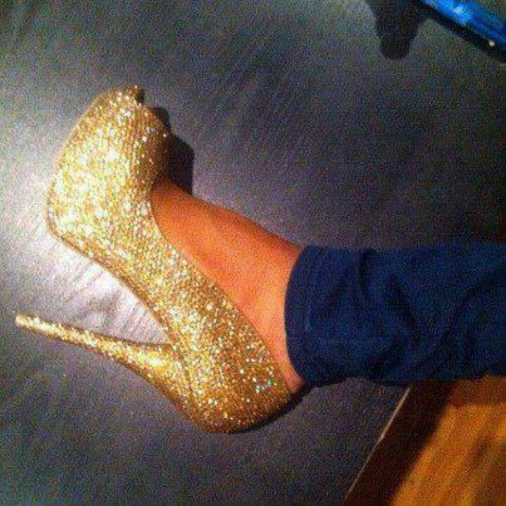 Glittering Gold Goodness!!!!!!