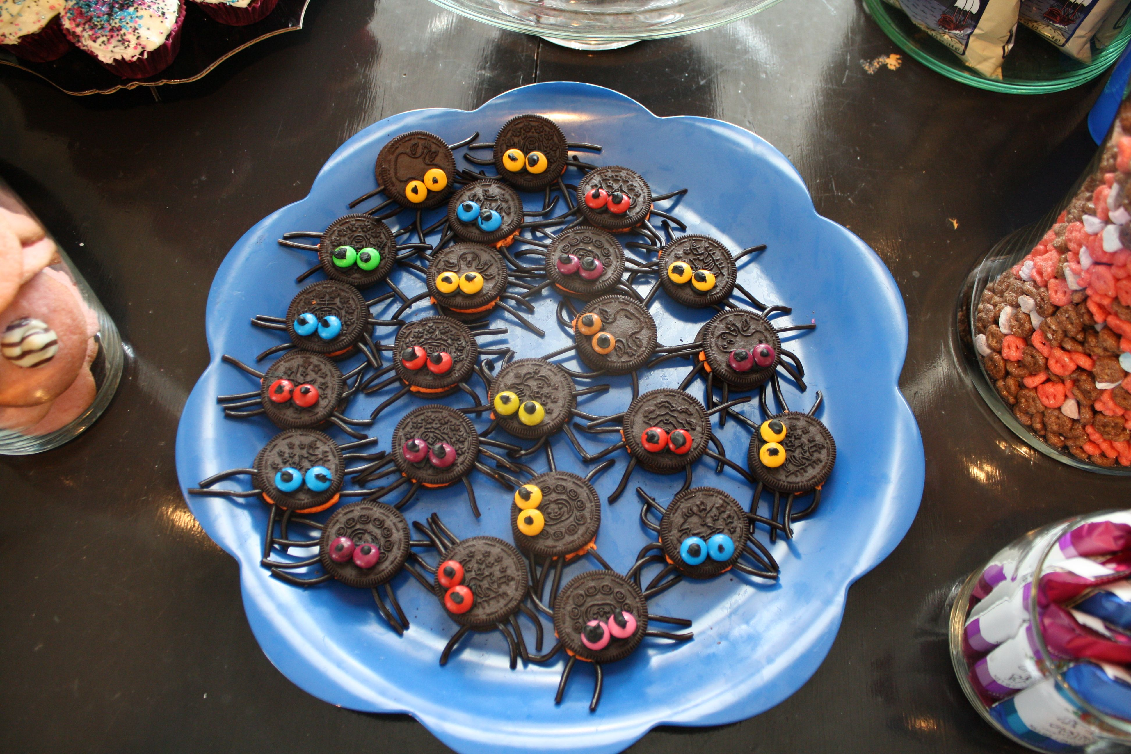 spider cookies from Monster High party