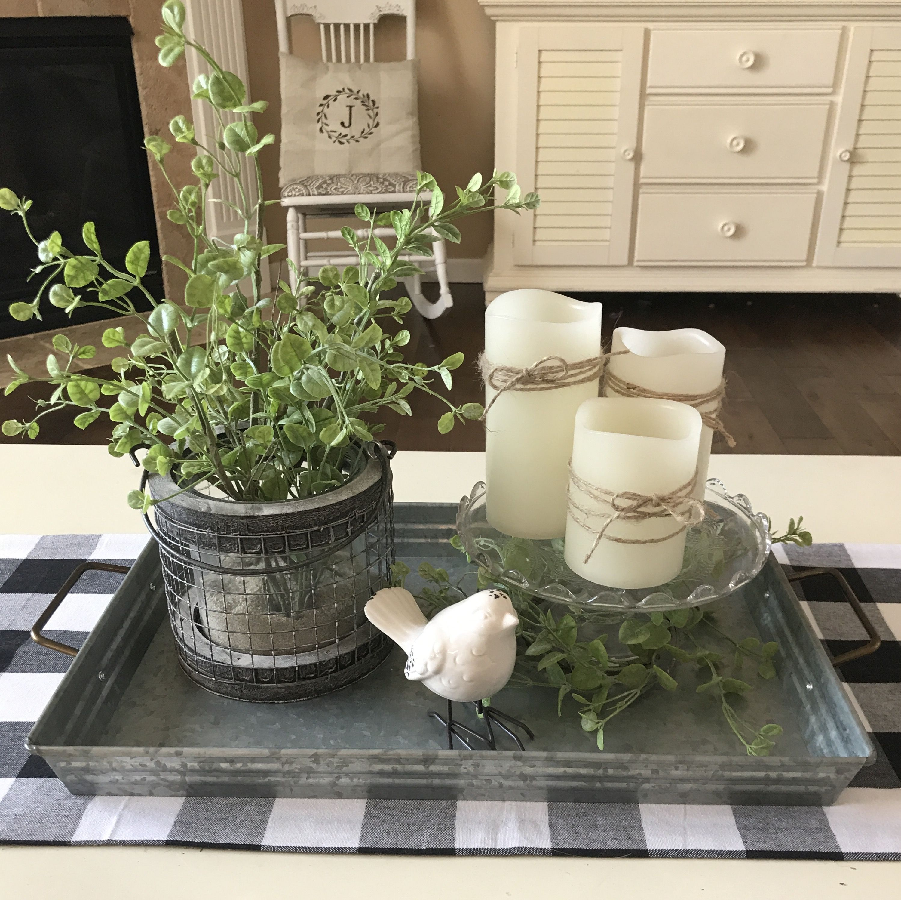 Living Room Table Centerpieces: Spring Coffee Table Farmhouse Decor