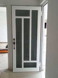 Resultado de imagen para puertas en aluminio y vidrio for Puertas metalicas economicas