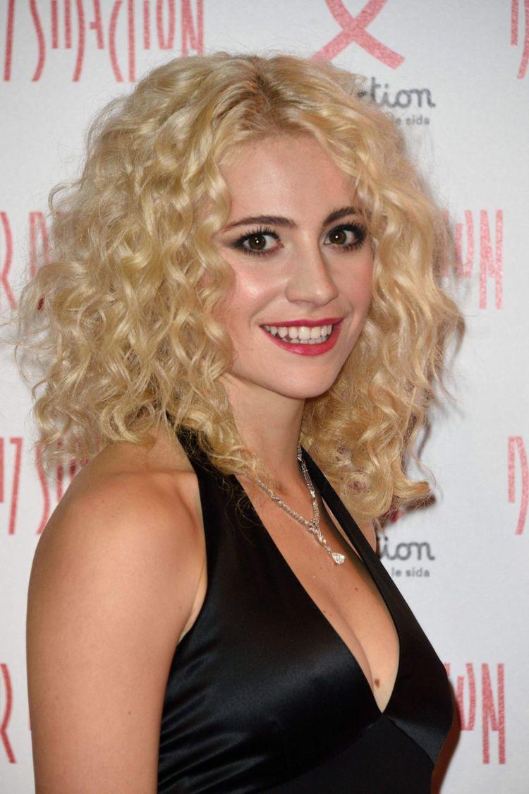 Frisuren blond naturlocken