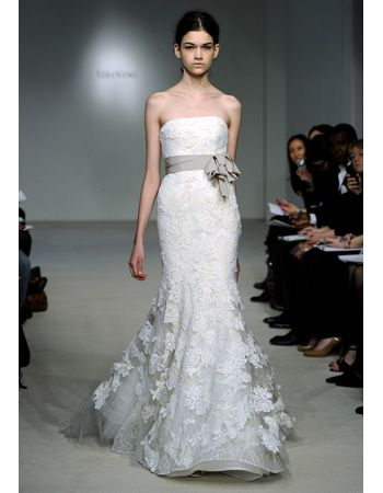b30d89dca6c5 ... spring 2010 bridal fashion week. Dress from Vera Wang. You know what  Vera can offer for us...Beautiful dress!