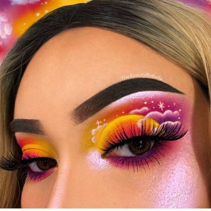 Creative eye makeup🔮