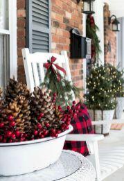 65 Festive Christmas Porch Decorating Ideas