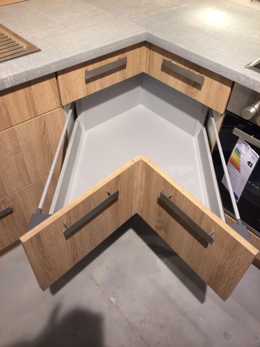 Küche plus - Ecklösung statt üblichem Rondell  Arrumação na