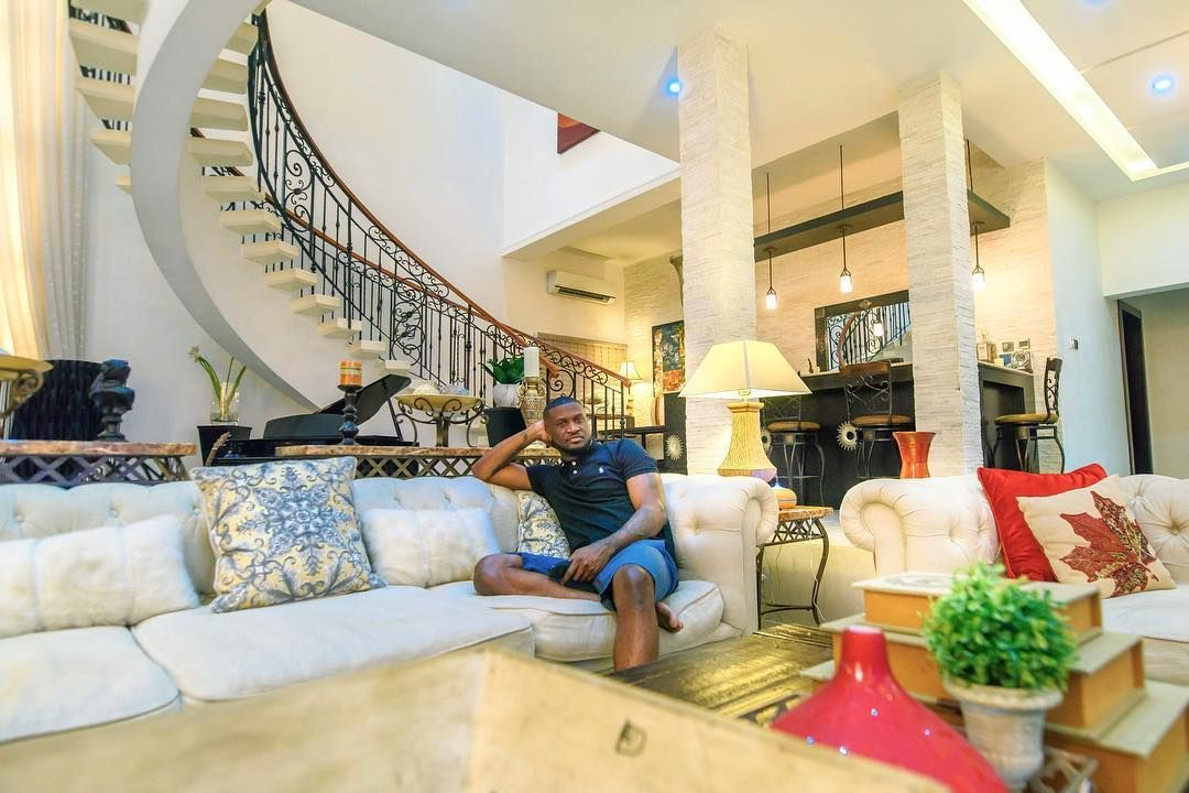 Peter Okoye Flaunt Beautiful Interior Of His Sitting Room Celebrities Nigeria Sitting Room Decor Interior Decorating Living Room Beautiful Interiors