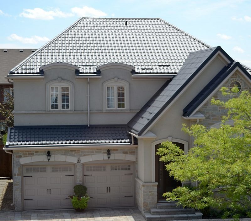 Metal Roofing Lifespan Versus Common Asphalt Shingles Roofing Material With Images Roof Shingles Asphalt Roof Shingles Metal Roof