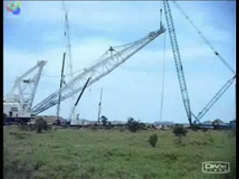 Compilation: Heavy Equipment Fails 2011