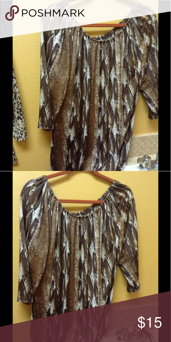 Snake look top Gorgeous 3/4 sleeve top Tops Blouses