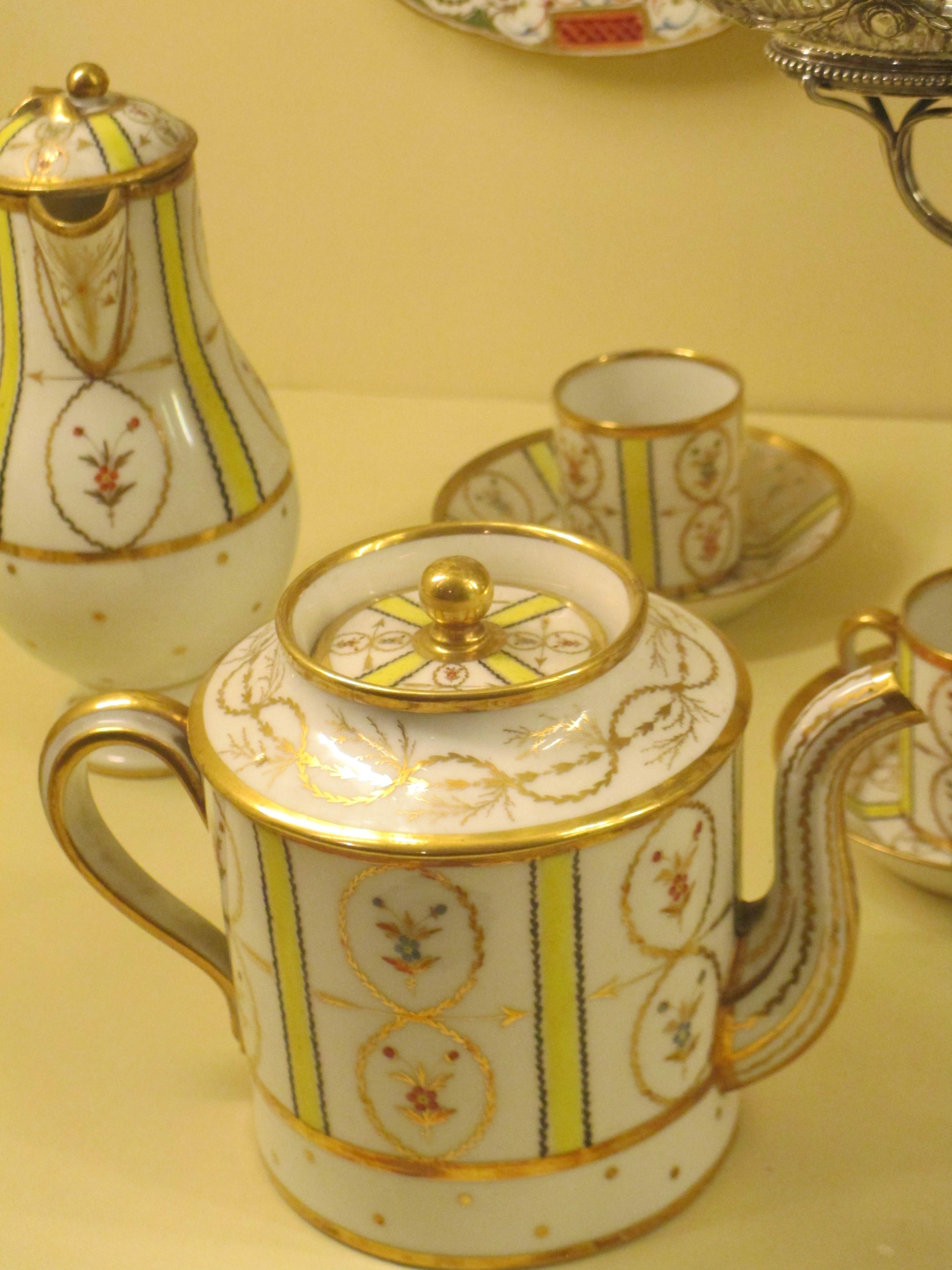 Service à thé, porcelaine bordelaise
