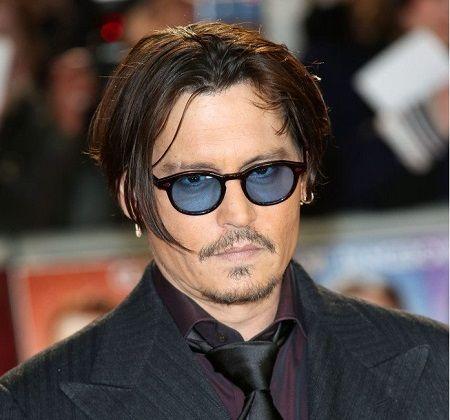 moscot Johnny-Depp-in-Moscot-Lemtosh-Tortoise-lenti-Blu-Cobalto ... 0c087487a5