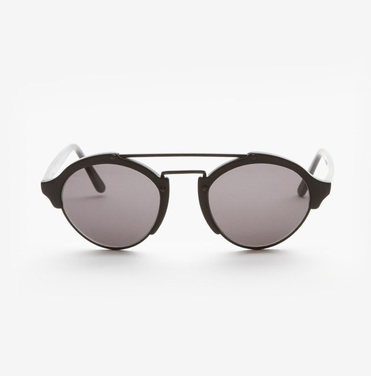 Pin for Later: Miranda Kerr's Not Afraid to Wear the Same Thing Twice Illesteva Milan Sunglasses Illesteva Milan Sunglasses ($300)