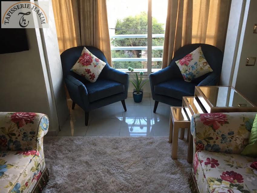 Tapisserie hakim en 2019 espace deco tapisserie hakim chaise fauteuil tapisserie et salon - Idee tapisserie salon ...