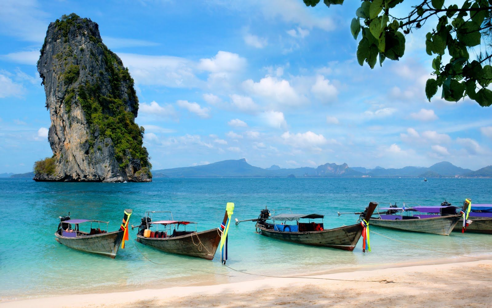 Thailand - A #Honeymooners Paradise #Thailand is the land full of touristic  destinations having